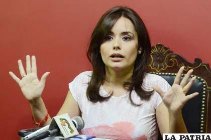 Diputada Adriana Gil no fue suspendida (APG)