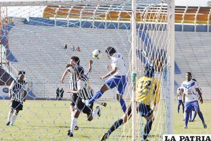 Luis Palacios no solo volvió a jugar, sino también a marcar goles