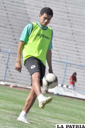 Carlos Saucedo goleador de San José