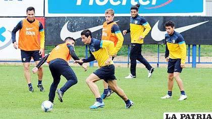 Entrenamiento de los jugadores de Boca Juniors (foto: paraguay.com)