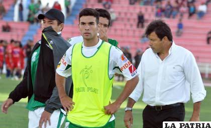 Sánchez tiene dificultades para armar su equipo (foto: APG)