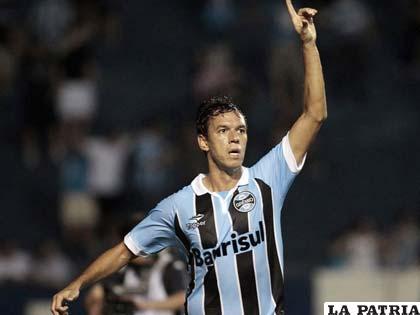 Marco Antonio fue autor del único gol del partido (foto: foxsportsla.com)