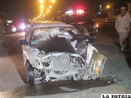 El vehículo siniestrado en la Av. 24 de Junio