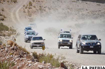 La caravana de coches que recorrió las rutas del Dakar