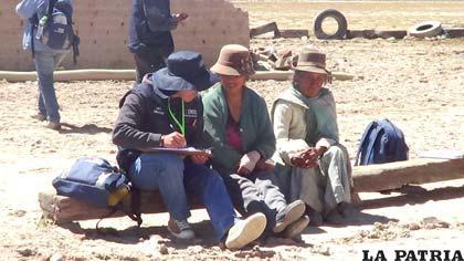 Trabajo de los empadronadores en el área rural