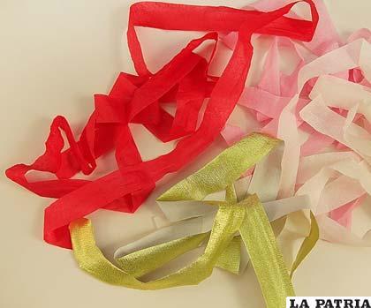 PASO 2 Repite el paso anterior con cada una de las tiras de papel hasta tener varias de cada una