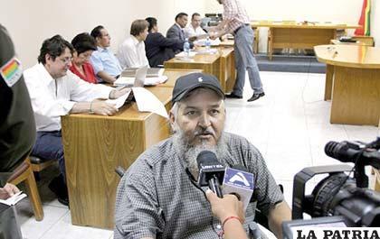 """""""El Viejo"""" continúa vinculando al Gobierno con Rósza"""