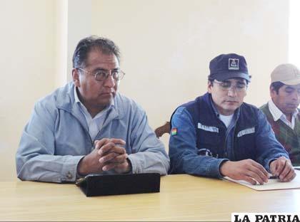 Gobernadores, Santos Tito, de Oruro, y Félix Gonzales, de Potosí