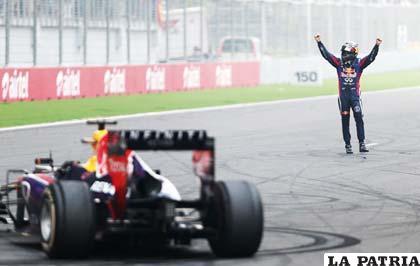 La emoción de Vettel al final de la prueba de ayer domingo en la India