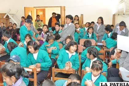 Niños celebraron los 14 años de la institución que los alberga