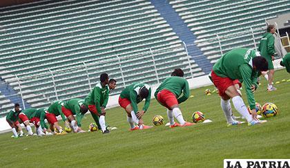Los seleccionados entrenaron ayer en el estadio