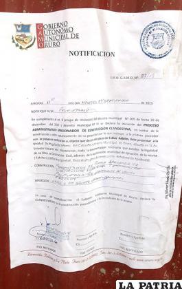 Notificaciones son colocadas en construcciones sin autorización. Esta corresponde a un edificio de la UTO