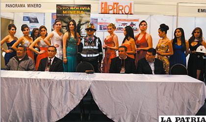 Autoridades que asistieron a la inauguración de la Expo Bolivia Minera