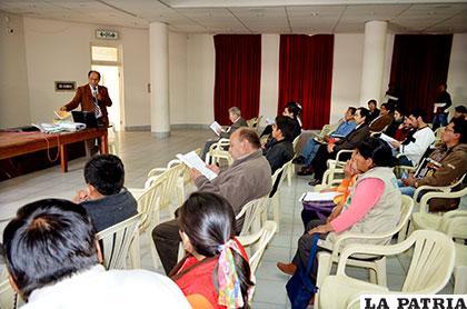 Destacados charanguistas del interior y exterior del país participan del evento