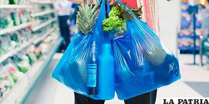 Prevén minimizar el uso del plástico en Francia