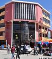 El edificio moderno de la Facultad que alberga a más de medio millar de estudiantes