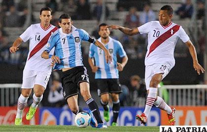 Argentina no jugó bien y empató 2-2 con Perú en Lima