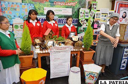 Colegios presentaron en una exposición sus alcances en el concurso