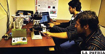 Loza y Nallar presentaron su dispositivo a concurso estadounidense /eldeber.com.bo