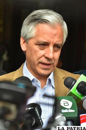 Álvaro García afirma que transferencia de recursos públicos a privados requiere ley /APG