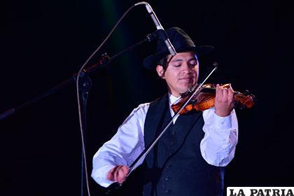 Andrés Copa y su violín mágico