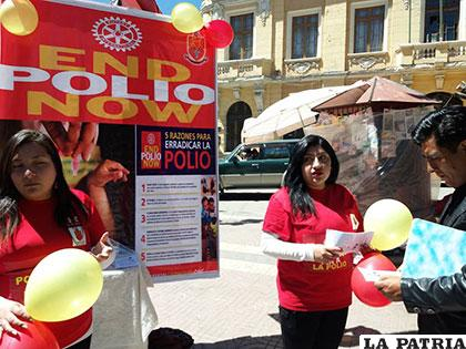 Rotarios explicaron a la población la importancia de la vacunación contra la Polio