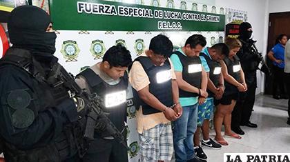 Ayer la Policía los presentó ante los periodistas en Santa Cruz