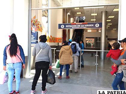 Los domingos, son los días que el teleférico transporta a más personas/LA PATRIA