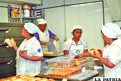 Los microempresarios expresan su preocupación por la situación económica por la que atraviesan / El Potosí