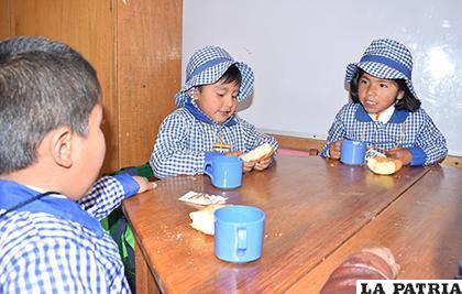 El desayuno escolar de 2019 buscará combatir los principales problemas endémicos de los estudiantes /LA PATRIA ARCHIVO