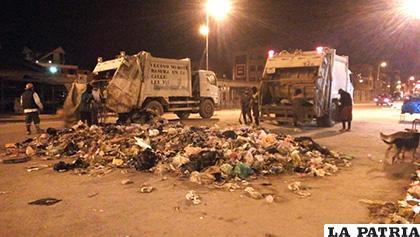 EMAO recogió una parte de la basura que se acumuló por dos semanas /EMAO