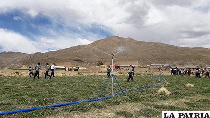 Se entregó el sistema tecnificado de riego en Challapata /FPS