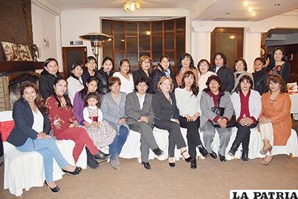 Integrantes del Colegio Departamental de Trabajo Social /LA PATRIA