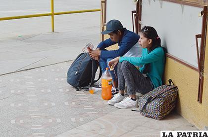 Varios extranjeros varados en Oruro  /LA PATRIA/Johan Romero