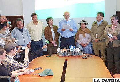 Miembros de la Coordinadora por la Defensa de la Democracia, de la cual también es parte Carlos Mesa /erbol.com.bo