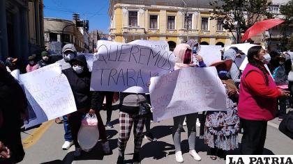 Las meretrices piden la reapertura de los centros nocturnos donde cumplen sus actividades /LA PATRIA