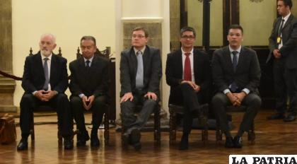 Guillermo Aponte (izq.) fue designado como presidente junto al directorio que renunció este viernes / brujuladigital.net