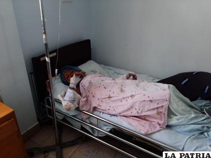 La mujer está internada en el Hospital General con quemaduras al 50% /LA PATRIA