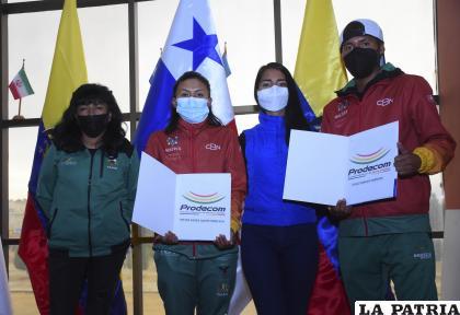 David Ninavia y Mayra Quispe reciben apoyo para viajar a Ecuador /APG