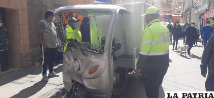 El motorizado registró daños materiales de mucha consideración /LA PATRIA
