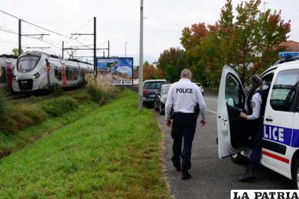 La Policía francesa cercó el lugar del accidente /AFP