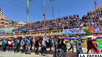 Masiva marcha en desagravio a la Whipala /LA PATRIA