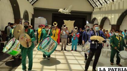 La música fue el elemento principal de la celebración /LA PATRIA