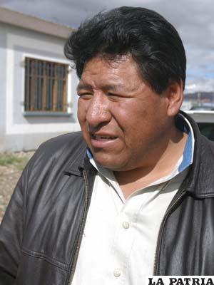 Walter Mamani, titular de San José