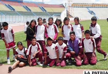 Representantes del Colegio Carmen Guzmán