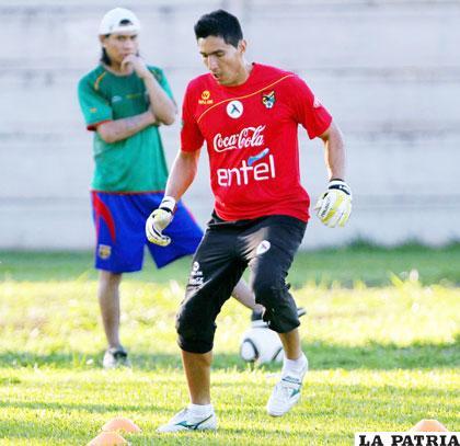Carlos Arias se sumó a los entrenamientos de la selección