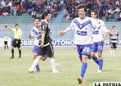 Alvaro Pintos le dio a victoria a San José ante Aurora al marcar dos goles (2-1)