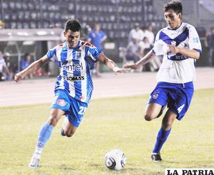 Molina y Herrera en el partido ante Blooming (0-0)