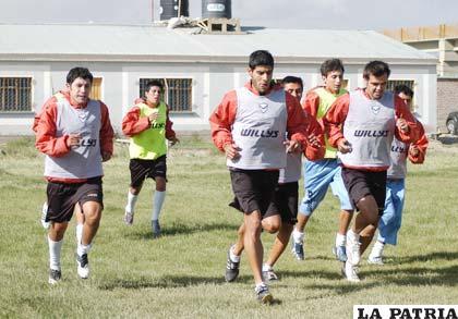 Los integrantes de San José trabajaron en la parte física bajó las ordenes de Teodoro Cárdenas