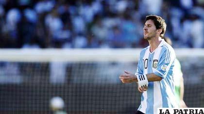 Messi nuevamente fue opacado por la defensa de Bolivia